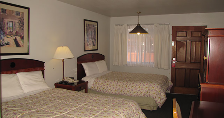 Coast Inn & Spa - Two Beds